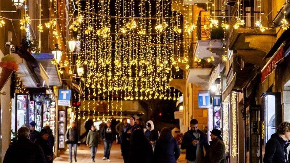 USC lamenta assenza di addobbi natalizi nei Castelli periferici