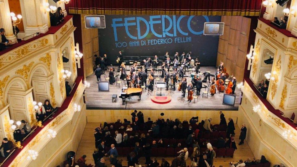 Buon compleanno Federico, omaggio in musica di Vince Tempera