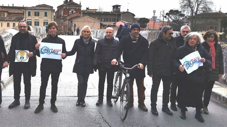 Cari candidati o così o pomì. Basta Plastica in Mare insieme al San Marino Green Festival invitano i candidati a sottoscrivere un protocollo per la sostenibilità ambientale