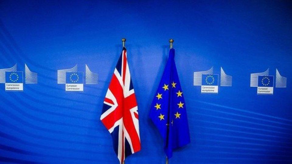 Brexit all'ultimo atto: Gran Bretagna fuori dall'Ue dalla mezzanotte di domani