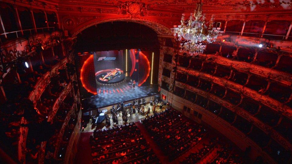 Il teatro Valli rosso @scuderiaferrari