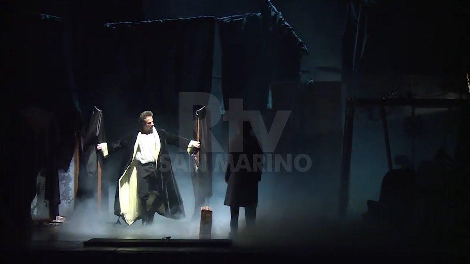 """Allo Stignani di Imola la replica di """"Dracula"""" con Sergio Rubini e Luigi Lo Cascio"""