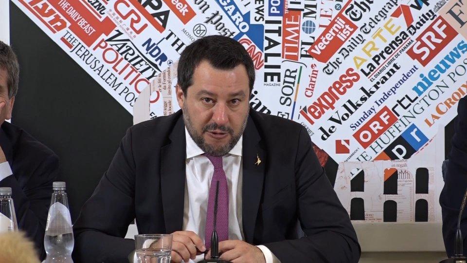 L'intervento di Matteo Salvini sul caso targhe