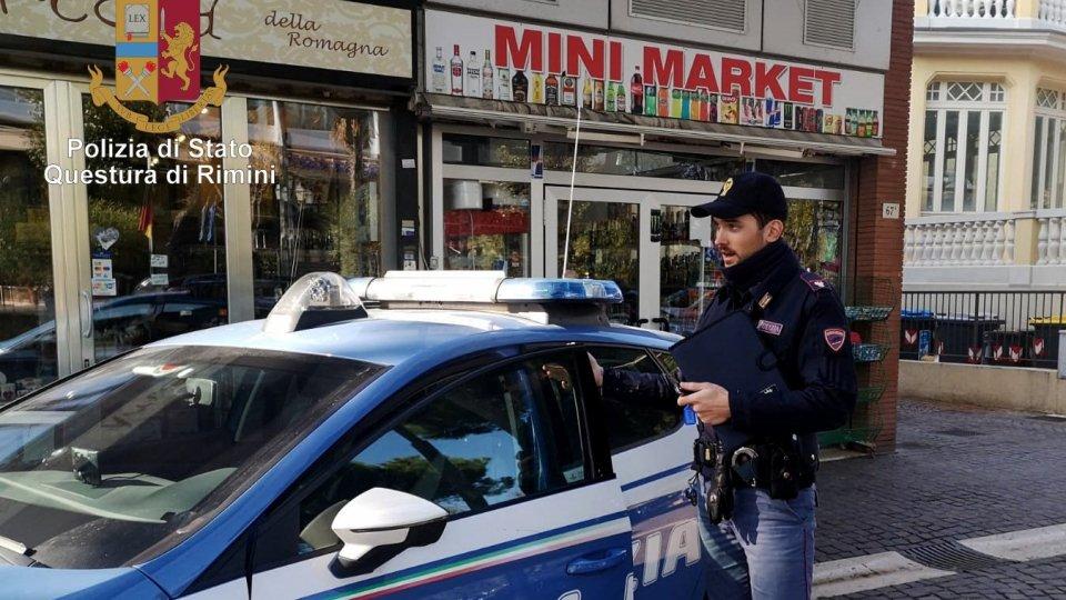 Minimarket vende merce scaduta, sequestrata dalla Polizia di Stato