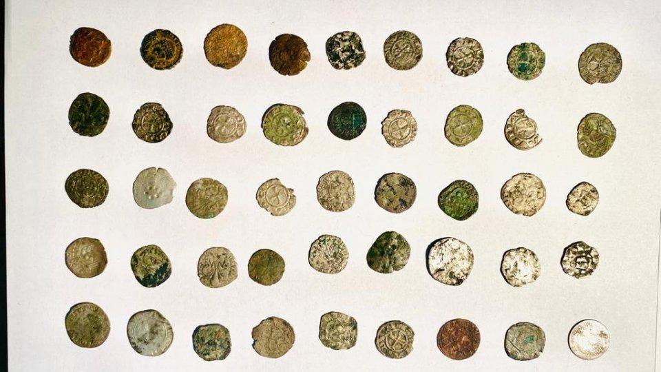 Collezione di monete antiche scoperta dai Carabinieri a Forlì