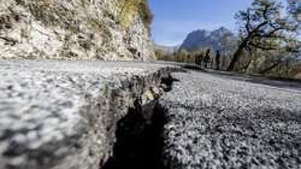 Terremoto: in mattinata nuova scossaTerremoto: in mattinata nuova scossa di magnitudo 4.8