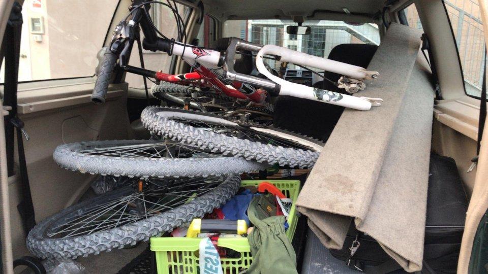 Non rispettano le ordinanze: sequestrate due bici e denunciato un uomo a San Giovanni in Marignano