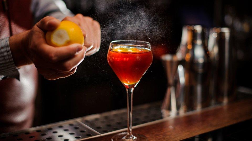 Creare un angolo open bar in casa