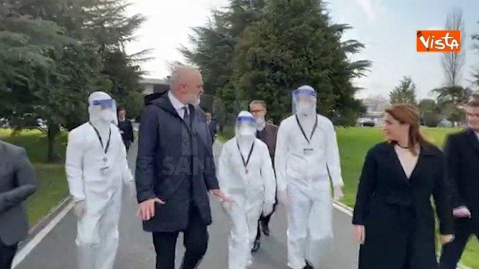 Dall'Albania la lezione all'Europa: arrivata in Italia una squadra di medici e infermieri