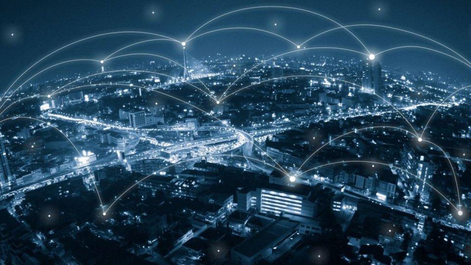 Il gancio in mezzo al cielo si chiama internet
