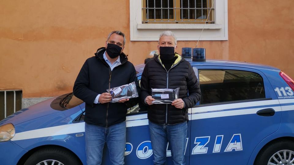SAP Rimini: donazione di 400 mascherine alla Polizia di Stato