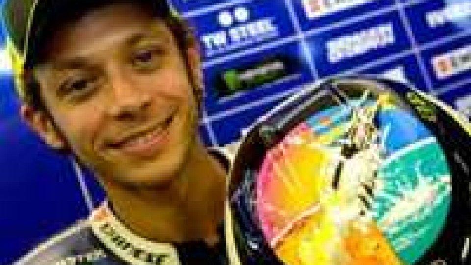 Rossi ricorda il 'Sic' con un casco celebrativo