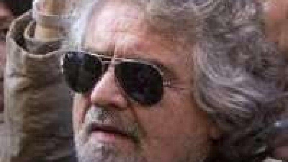 Grillo a Roma con gli eletti, nessuna apertura a governo tecnico