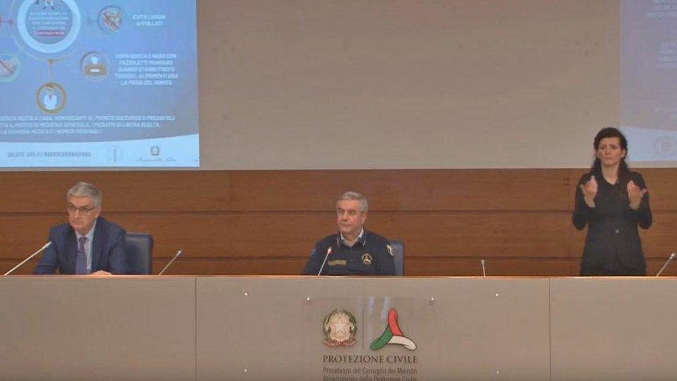 La conferenza stampa della Protezione civile