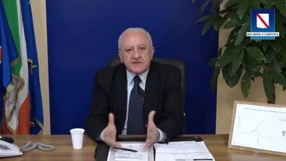Vincenzo De Luca per Pasqua: imparate a fare la pastiera, anche se verrà una sozzeria
