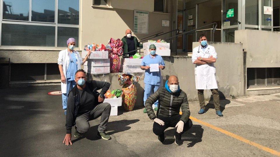 Ricchiuti & Friends: 250 uova di Pasqua ai medici dell'ospedale Infermi di Rimini