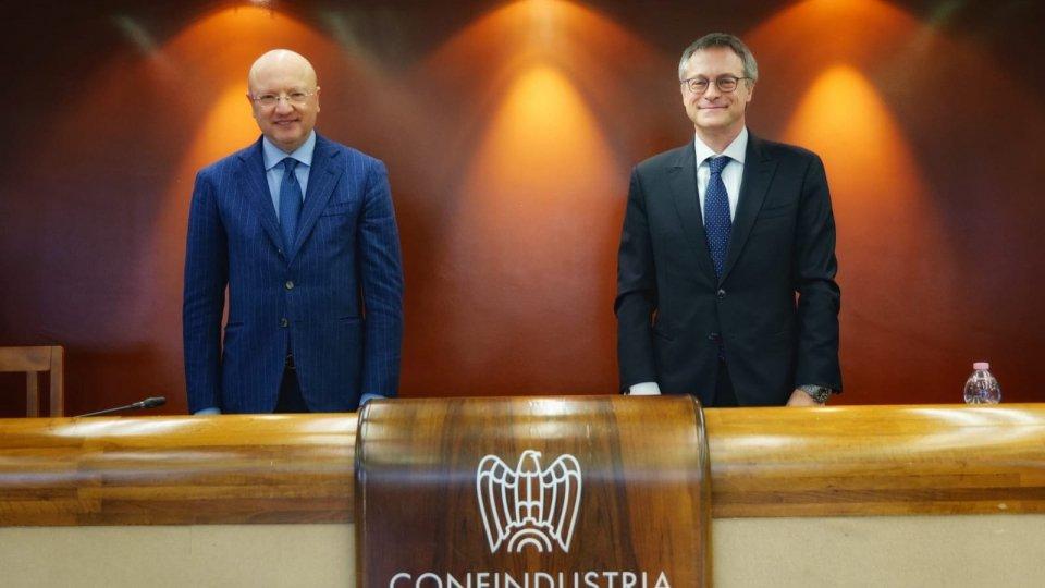 A destra Carlo Bonomi @confindustria