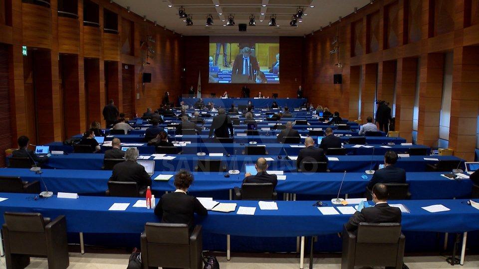 Consiglio: dal dibattito su FMI vecchie ricette e nuove opportunità