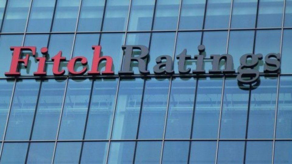 Fitch declassa anche l'Italia: BBB- con outlook stabile
