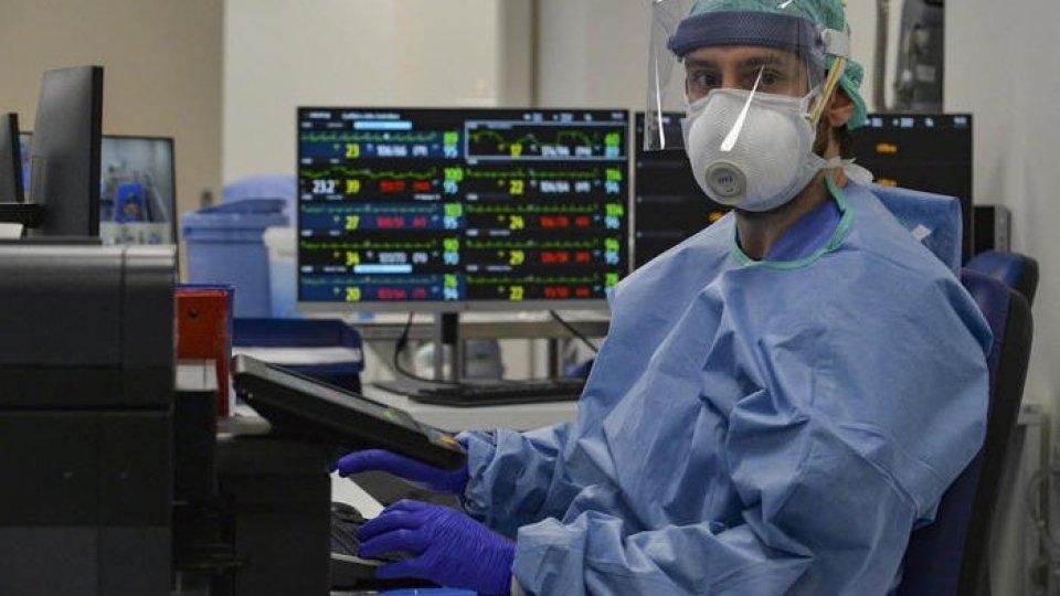 Un medico (Ansa)
