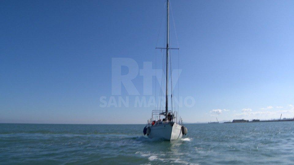 A Rimini via libera alle uscite in barca e agli sport acquatici