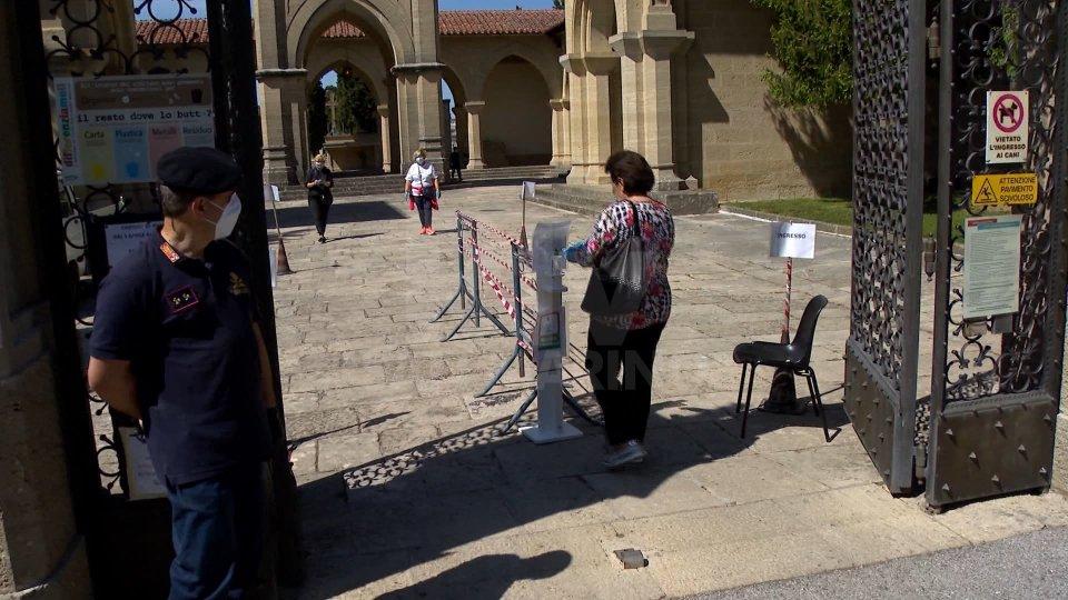 San Marino: qualche fila, oggi, per la riapertura dei cimiteri. Ma non si sono registrate particolari criticità