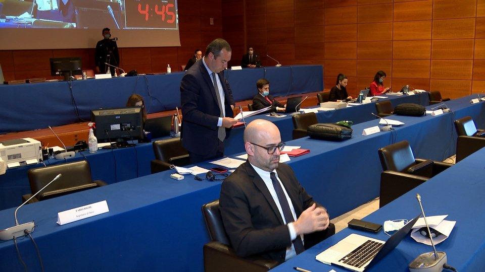 Decreto Covid: l'Aula si accende su CIG, tutela dell'occupazione interna e strategie di rilancio