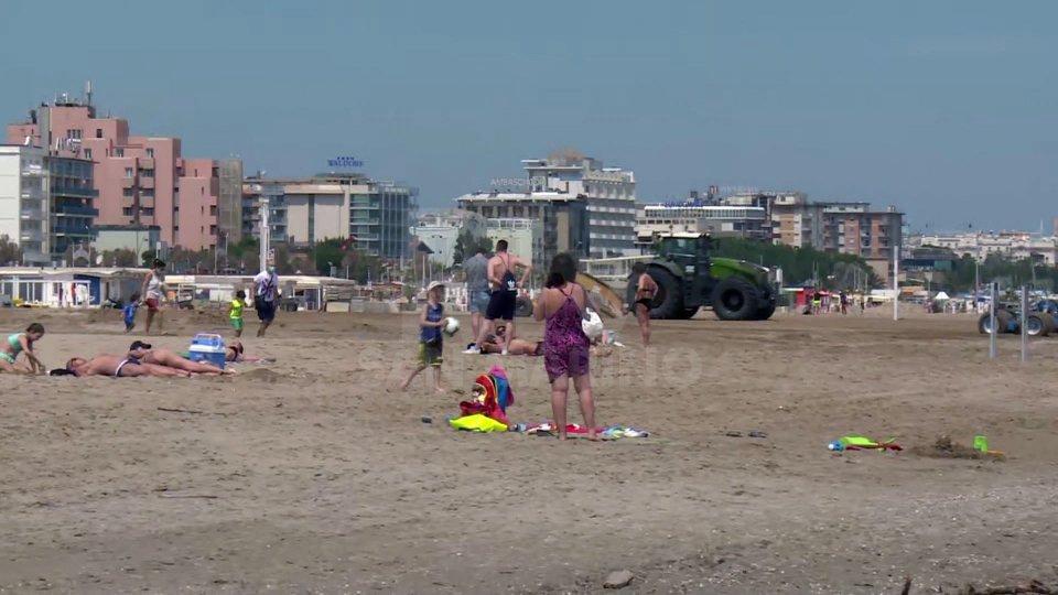 A Rimini spiagge aperte, ma gli stabilimenti non sono pronti