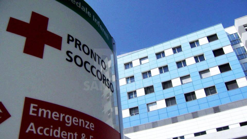 Semina il panico al Pronto Soccorso di Rimini e ferisce due Guardie Giurate. Arrestato giovane spagnolo