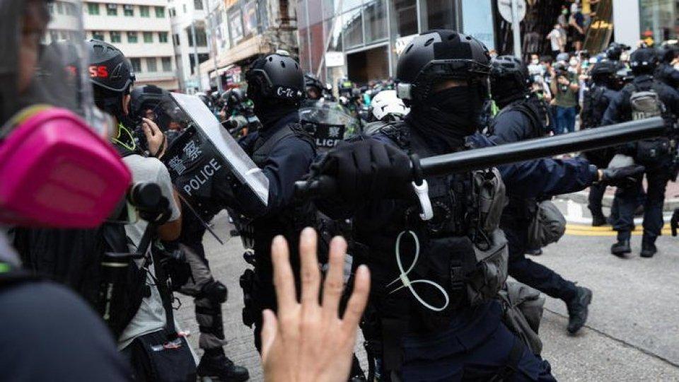 Gli scontri a Hong Kong (Ansa)