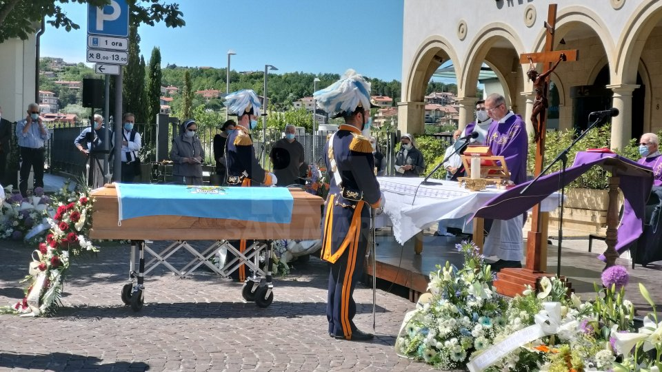 DIRETTA - I funerali di Gian Franco Terenzi