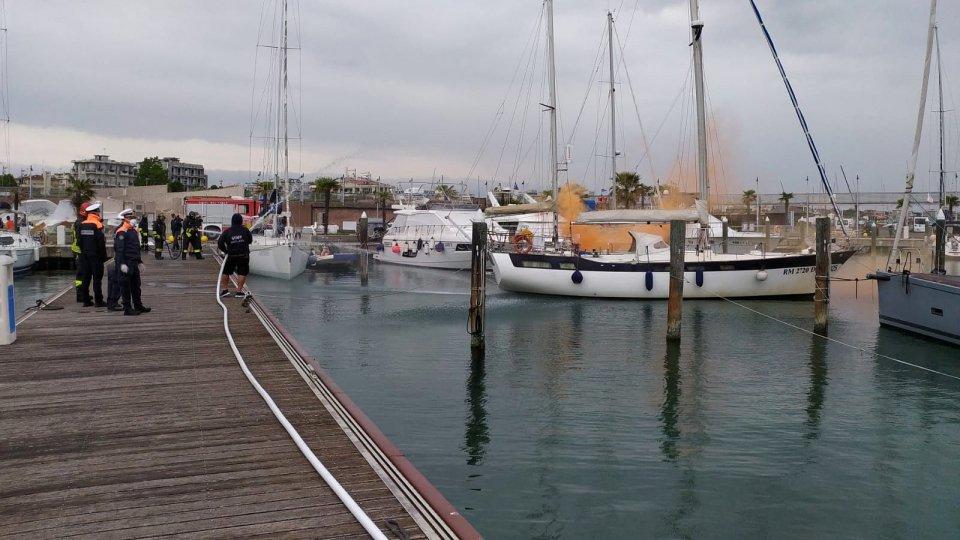 Esercitazione antincendio della Capitaneria di porto di  Rimini