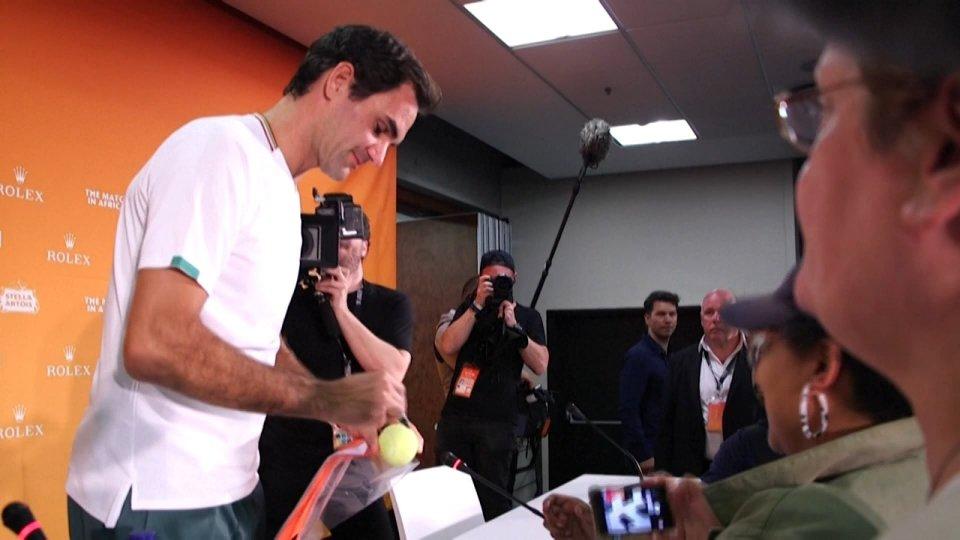 """Nuovo intervento per Federer: """"Torno nel 2021"""""""