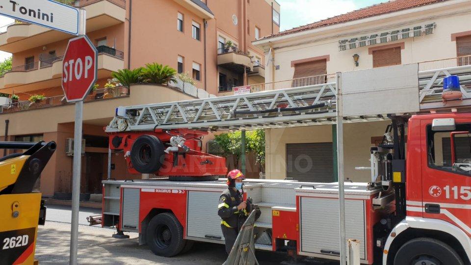 Incendio a Rimini: evacuata una palazzina