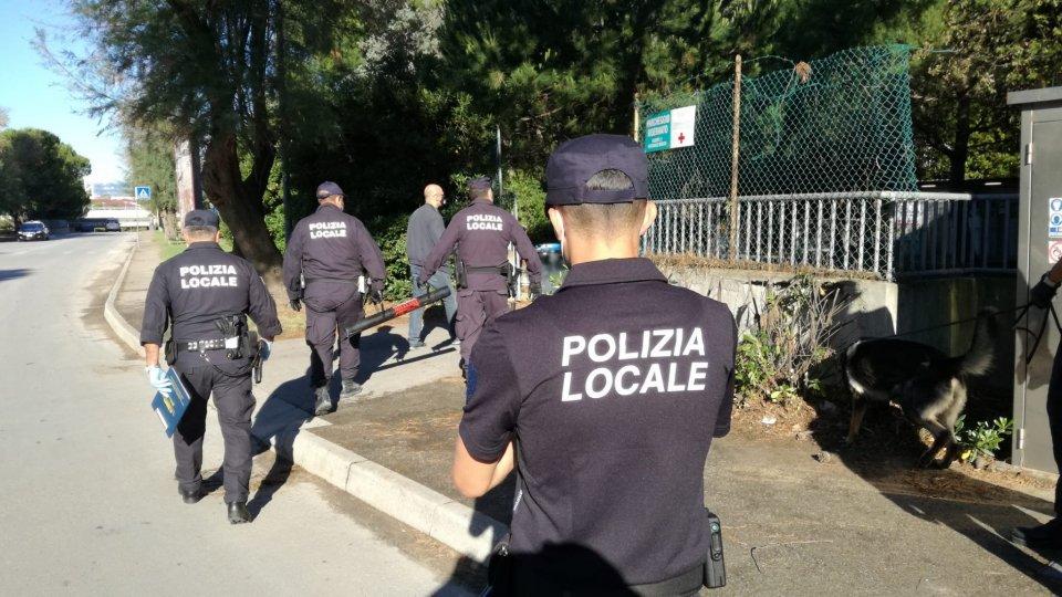 Blitz all'ex hotel Conchiglie e ex colonia Serenella di polizia di Stato e polizia locale di Riccione