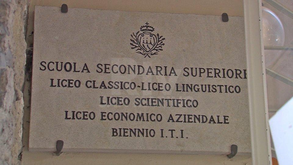 Tutti maturi a San Marino: 17 terminano con 100/100, 7 con lode