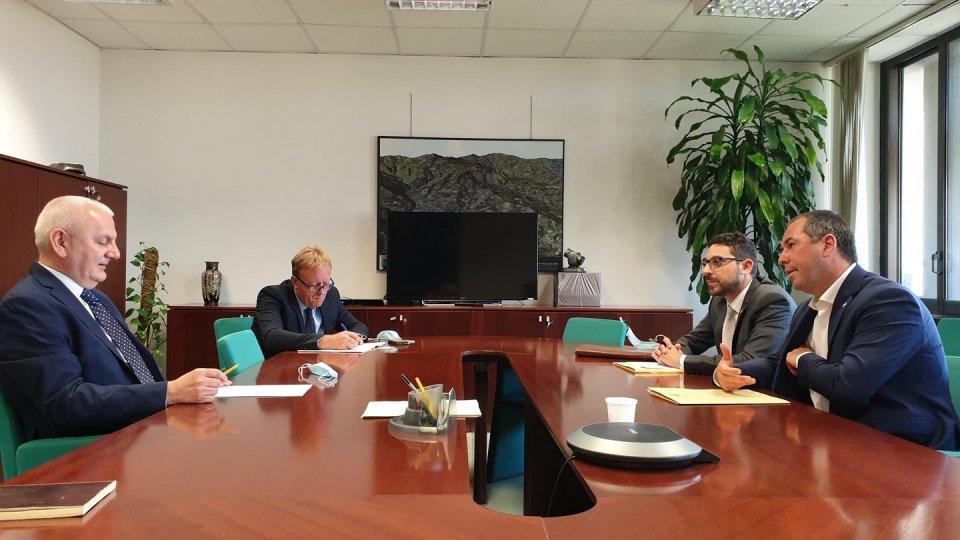 """Lavoro. L'assessore Vincenzo Colla riceve il Segretario di Stato di San Marino, Teodoro Lonfernini: """"Lavorare insieme per costituire in tempi brevi un Tavolo permanente sulle politiche per il lavoro frontaliero"""""""