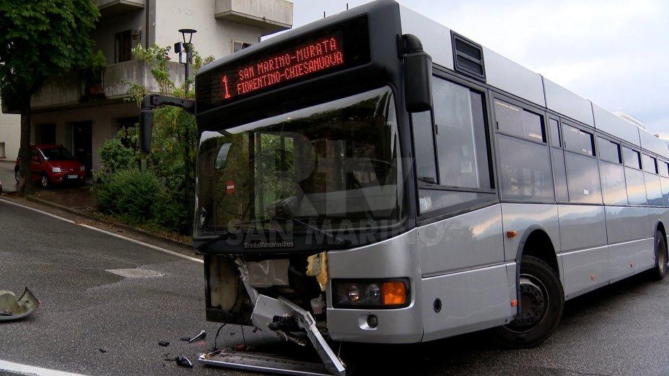 San Marino Città: scontro fra autobus e automobile, nessun ferito