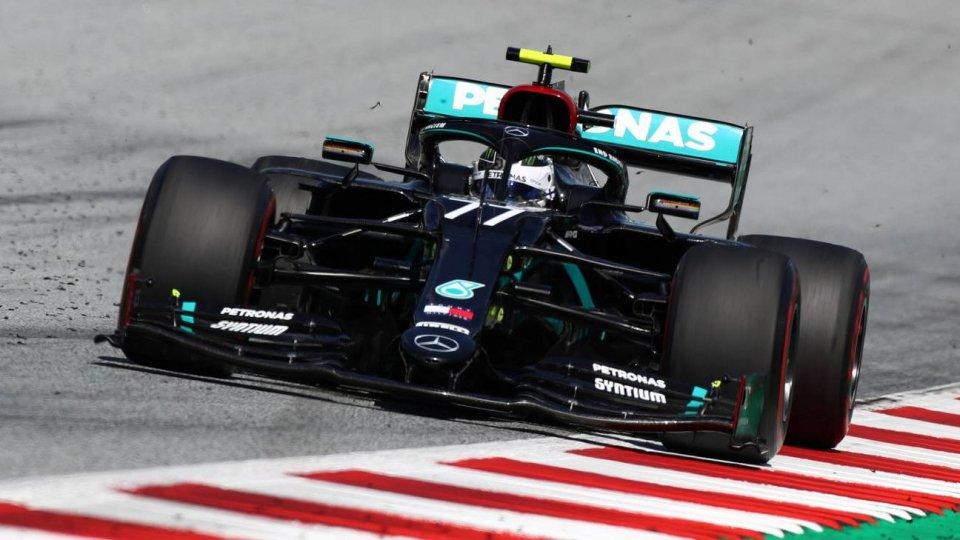 Vince Bottas davanti a Leclerc