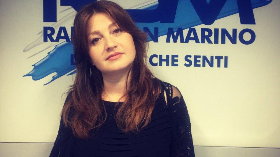 """#IOSTOCONGLIARTISTI - """"SENTI CHE ESTATE"""": Chiara Raggi"""