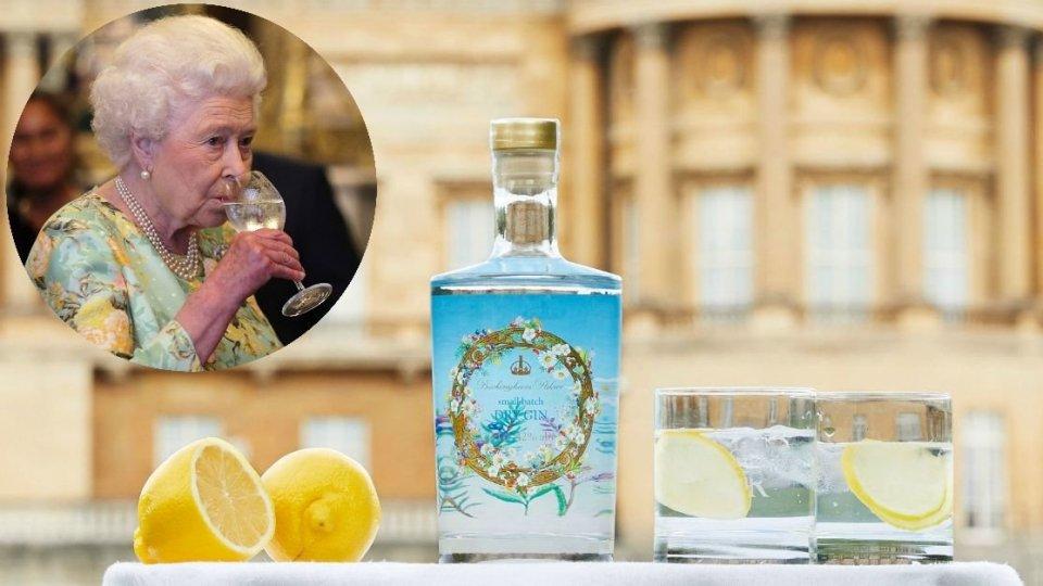 Sanare le finanze di corte con il gin della Regina