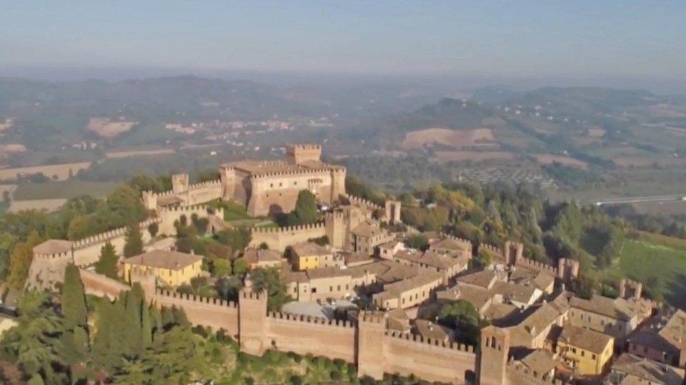 Turismo: soffrono le grandi città d'arte, rilancio di borghi e agriturismi