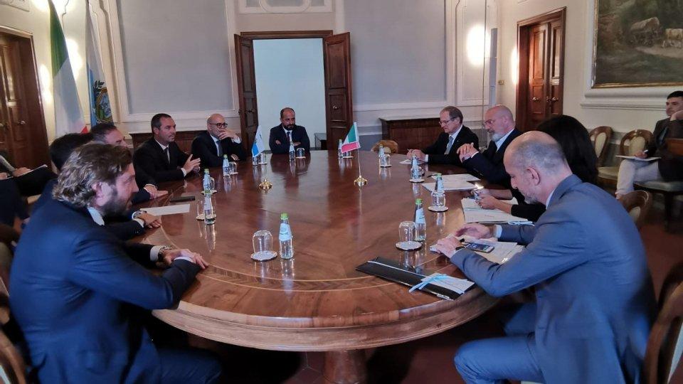 """Il presidente Bonaccini e una delegazione a San Marino: """"Un rapporto solido che uscirà rafforzato dai difficili mesi di emergenza che abbiamo alle spalle"""""""