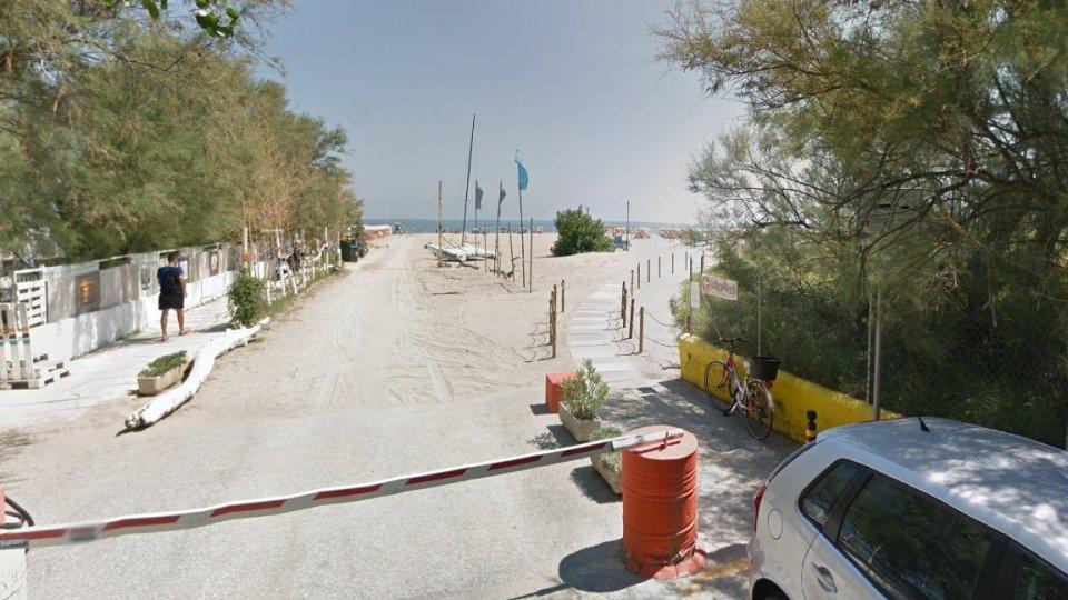 Spiaggia nei pressi di Piazzale Allende (@Google Maps)