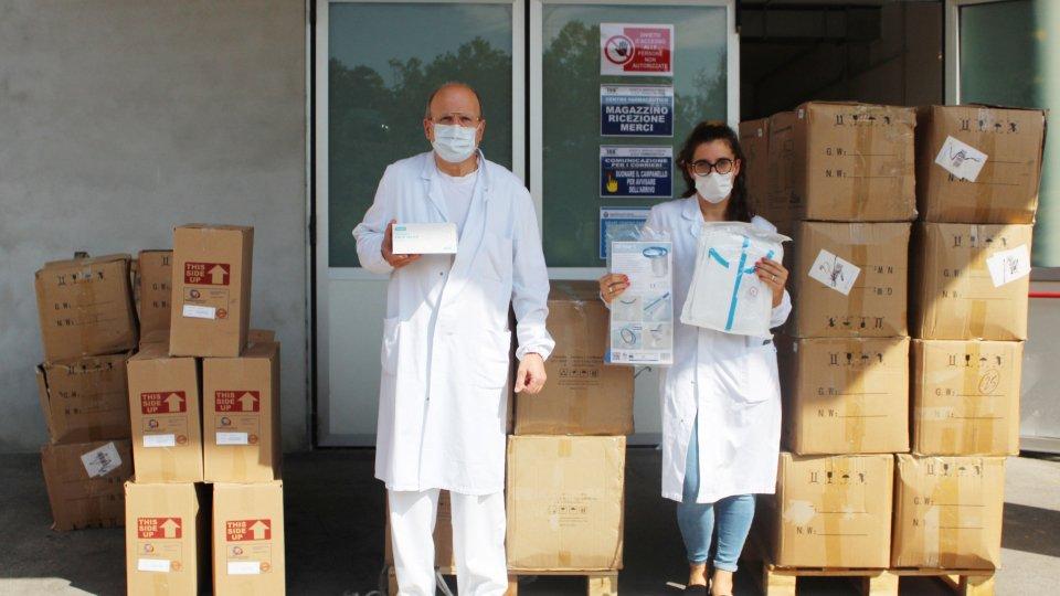 Solidarietà da Malta: donate tute protettive, mascherine e visori