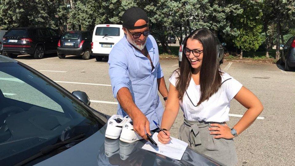 Derubata giovane turista veronese a Rimini: poliziotto trova il bottino e glielo riconsegna a Verona