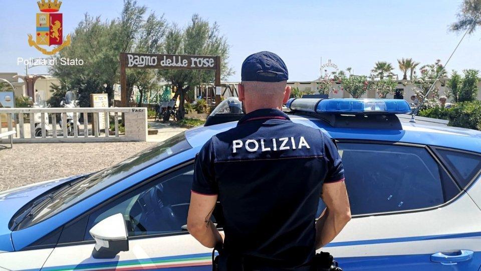 Rimini: coppia di borseggiatori col figlio piccolo in autobus, presi dalla Polizia