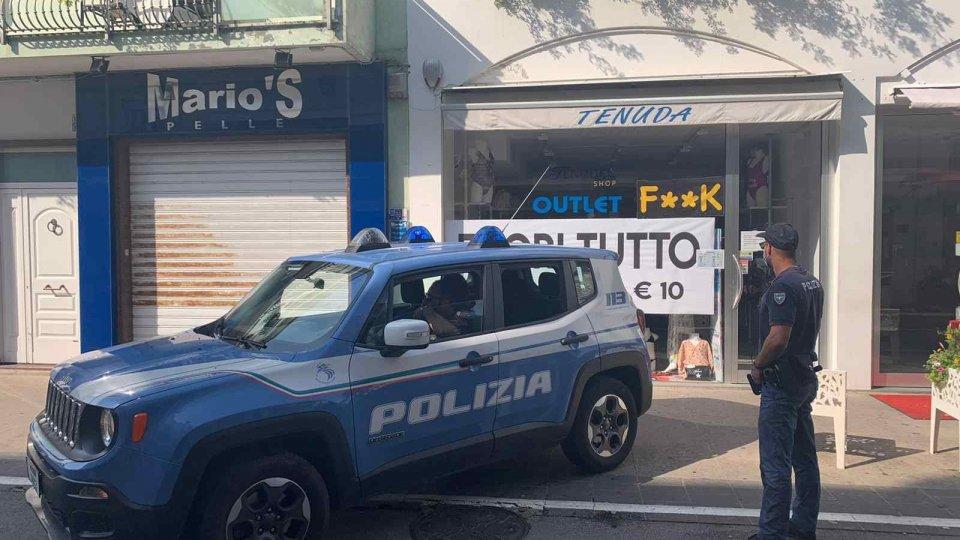 Fuga per Riccione dopo aver rubato dei costumi da bagno: inseguiti e arrestati