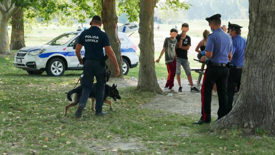 Rimini, due giovani denunciati per possesso di droga