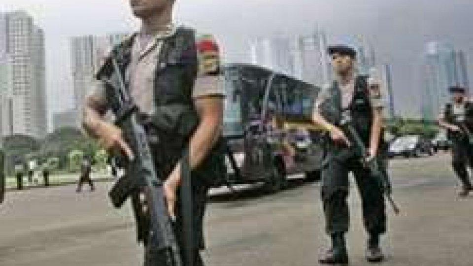 Polizia indonesiana